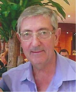 Jordi Cetrà, voluntario del Banco Farmacéutico en Sabadell (Barcelona)