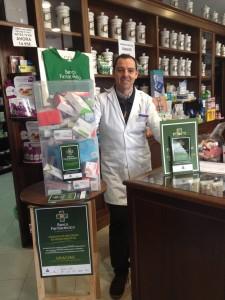 Lolo, farmacéutico de la farmacia Calle en Osuna (Sevilla)